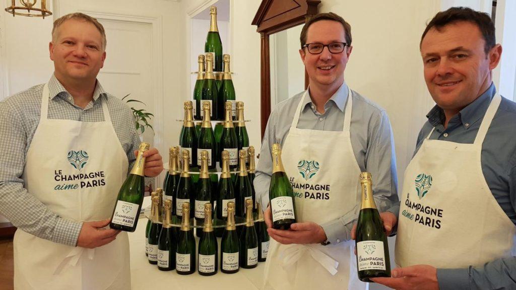 Le champagne donne rendez-vous aux Parisiens aux fontaines du Trocadéro